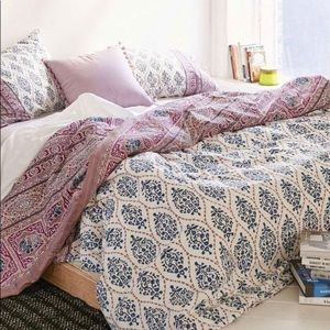 Urban Outfitters Elephant Twin XL bedding